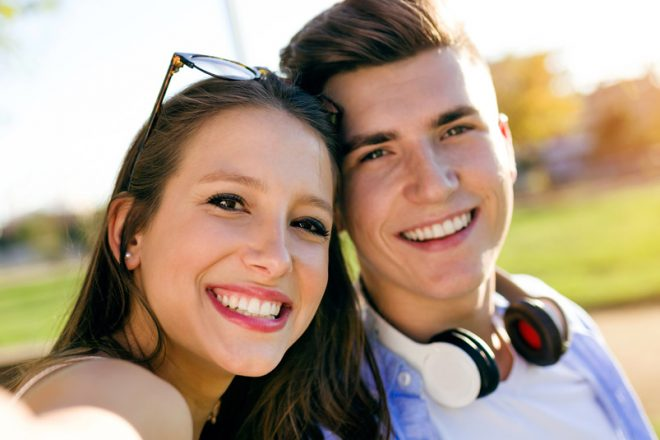 Korištenje parilica ne utječe na promjenu kolorita zubne cakline